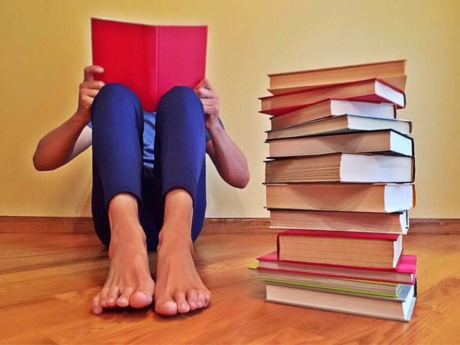Lesen und anschließend eine professionelle Buch-Rezension schreiben.